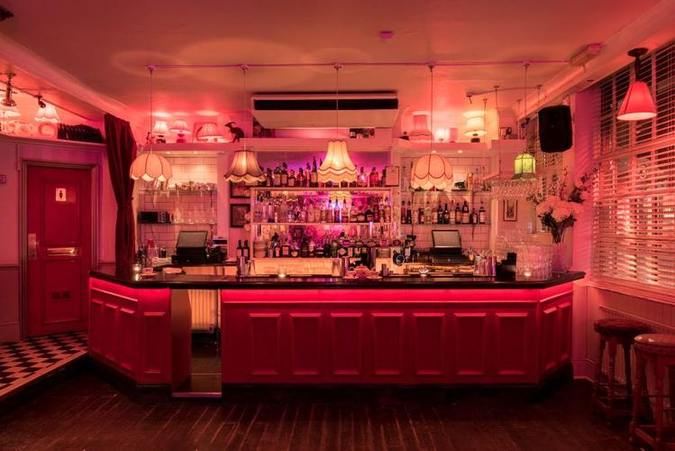 Image 4 from Simmons Bar   Soho's image gallery'