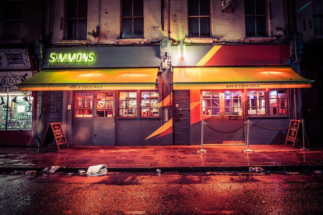Simmons Bar | Camden Town