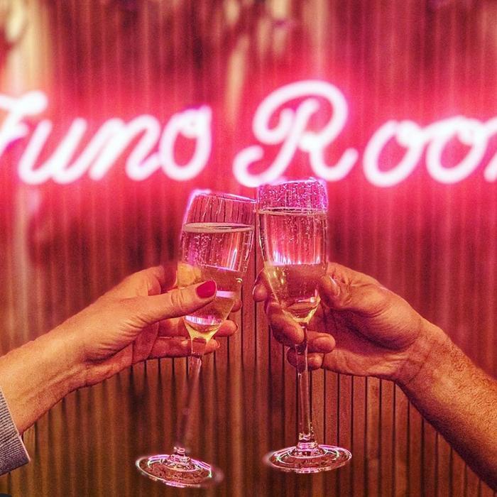 Juno Rooms