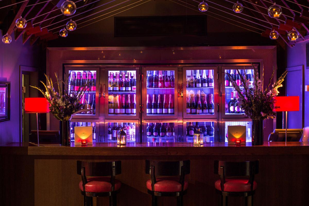 Albert's Champagne Bar